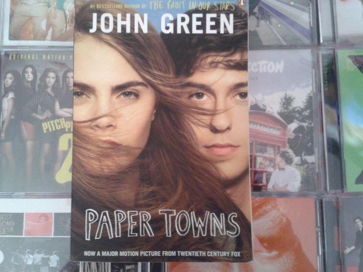 """""""Paper Towns"""" escrito por John Green:"""