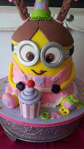 Gorgeous Minions birthday cake