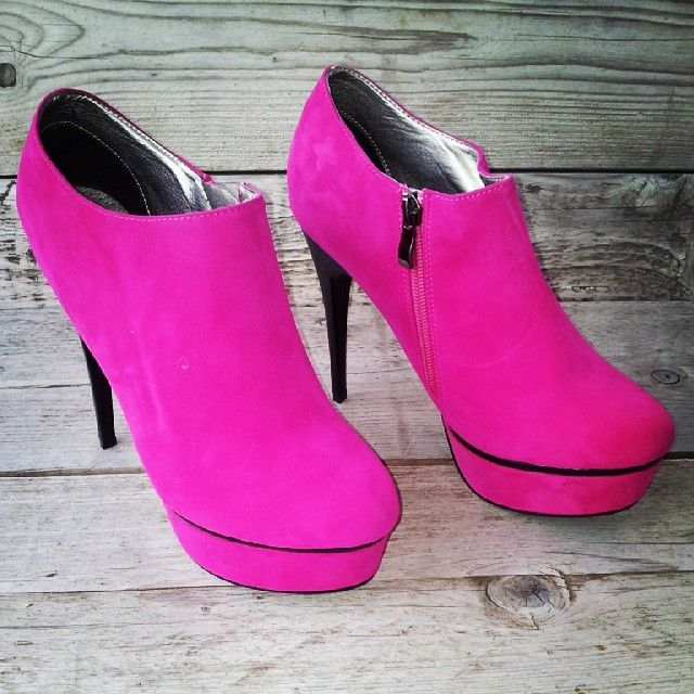 cool #vintageclothing #c4cvintage #vintagewearhouse #shoes #vintagestore #vintagefashion #vintagelovers #vintageheaven https://www.facebook.com/c4cvintage.nl
