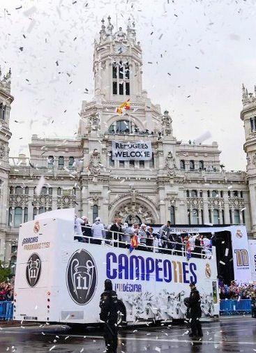 29 de mayo de 2016, poco antes de las 8 de la mañana, el Real Madrid llega a Cibeles para celebrar su undécima Champions