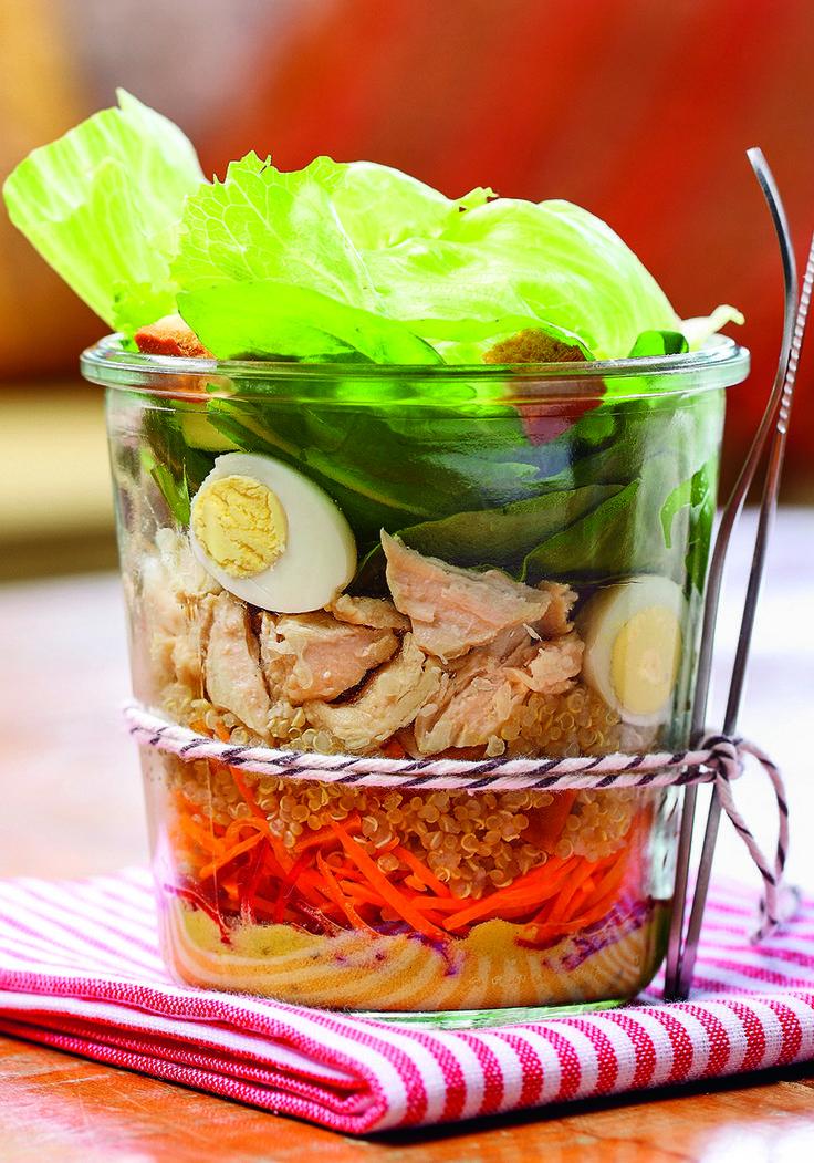 Salada no pote. Prepare hoje e leve para o trabalho amanhã