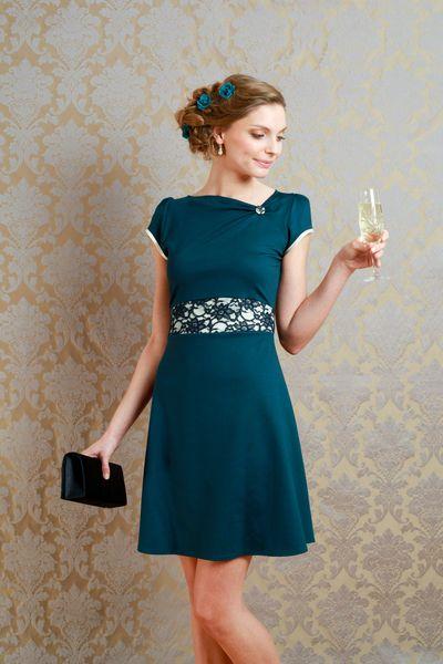 Elsa Wedding - Ausgefallene Eleganz für Hochzeitsgäste, Bräute und Gäste aller anderen festlichen Anlässe!    Unser Kleid Emilia ist ein  pet...