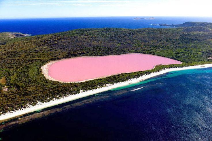 Lago Hillier, Australia  Sin duda alguna lo mas extraño de este lago es su color rosa su color es permanente y aun no hay una explicación científica del porque