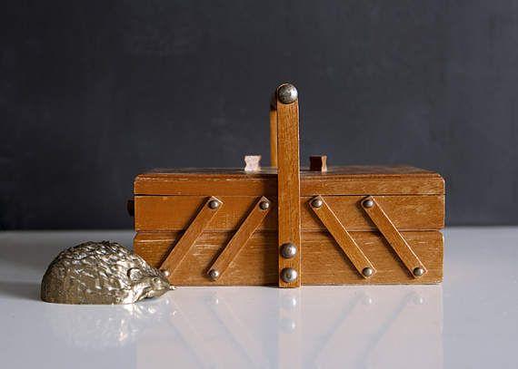 Vintage accordeon naaien vak kleine doos houten kist