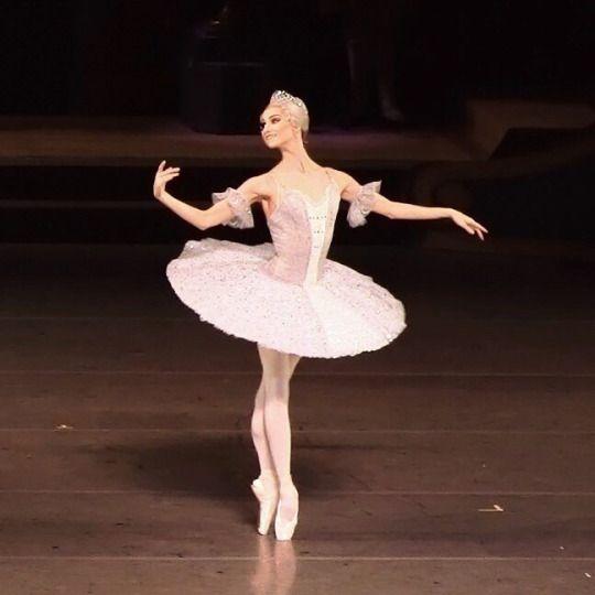 Oksana Skoryk as Princess Aurora in The Sleeping Beauty.  Mariinsky Theatre