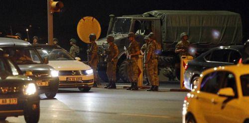 [DETALLES]  Ejército turco dice que fuerzas armadas han tomado...