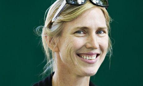 All My Puny Sorrows by Miriam Toews review – darkly fizzing tragicomedy