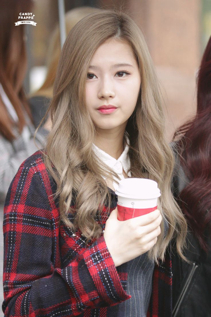Sana of Twice #streetstyle
