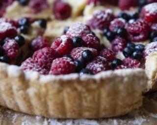 Tarte aux fruits rouges et Carré Frais® 0% : http://www.fourchette-et-bikini.fr/recettes/recettes-minceur/tarte-aux-fruits-rouges-et-carre-fraisr-0.html