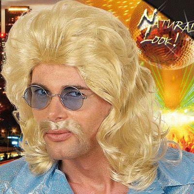 Herenpruik met lang haar matje in de nek. Natuurlijk, blond, golvend haar. Eighties pruik voor een echt foute verkleed outfit.