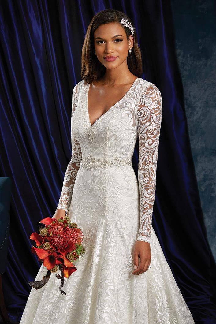 970 Wedding Dress from Sapphire by Alfred Angelo | hitched.co.uk