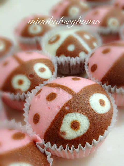 MiMi Bakery House: Ladybugs Attack!!!! - Steamed Strawberry Cupcakes