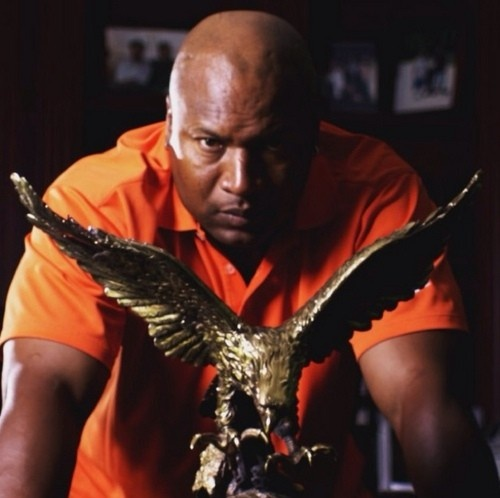 Bo Jackson, Auburn Heisman Trophy Winner. www.RollTideWarEagle.com Sports stories that inform and entertain plus FREE football rules tutorial, check it out.