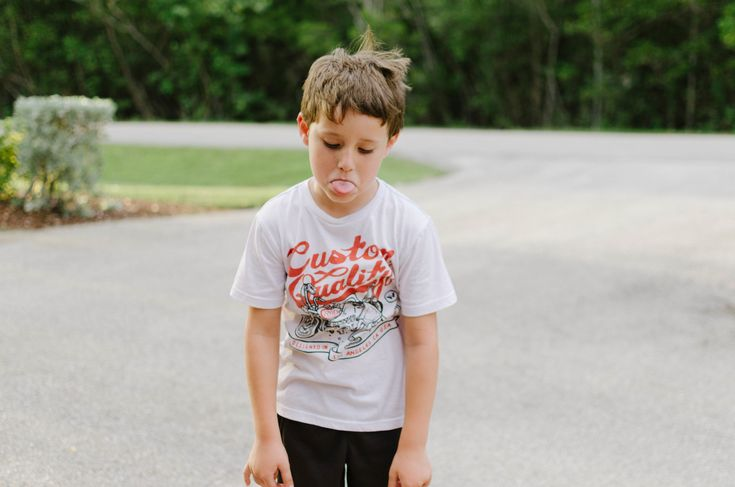 Egyre nő a magatartási, beilleszkedési nehézséggel küzdő gyerekek száma. Nehézséget okoz ez a problémával küzdő gyermeknek és környezetének is. Ezek a tanulók gyakran a közösség perifériájára kerülnek, beindul egy olyan spirál, ahonnan nehéz őket kimozdítani. A tünetek megjelenésükkel azonnal szembetűnővé válnak a társas környezet számára, s azonnali reagálást eredményeznek. Sajnos azonban ezek a reakciók elutasítók, …