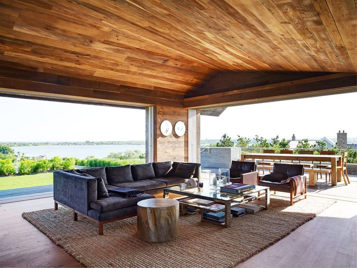 """We kept the palette of materials to a minimum, which is important in any job that we do,"""" says Harry Bates of [Bates Masi Architects](http://batesmasi.com/