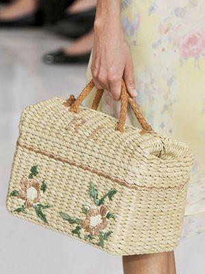 Ralph Lauren - Its a bit clunky but we love the spring look #handbags #bags #brands