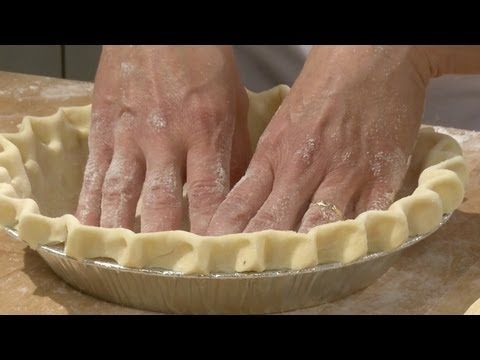 Learn how to make professional quality Pie Dough. In this video I show you how to make an all butter pastry dough and then use that dough to make a beautiful...