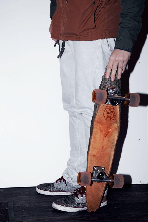 """""""Förster Skateboard"""" aus einem Stück Rohholz von Marco und Sven Gabriel"""