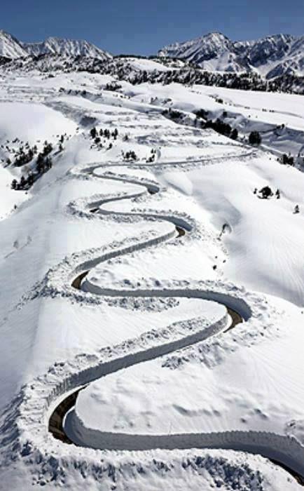 Yuki-no-Otani Snow Canyon Road in Japan
