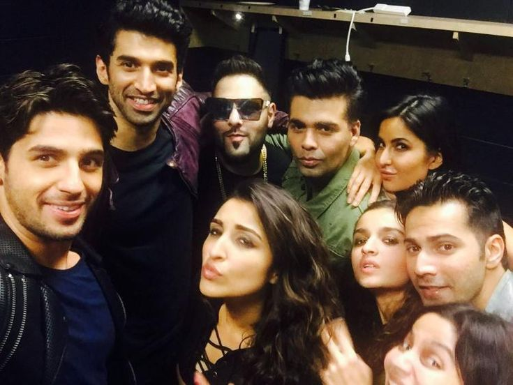 KJo posts a selfie with Sidharth, Alia, Katrina & others as Dream Team Tour…