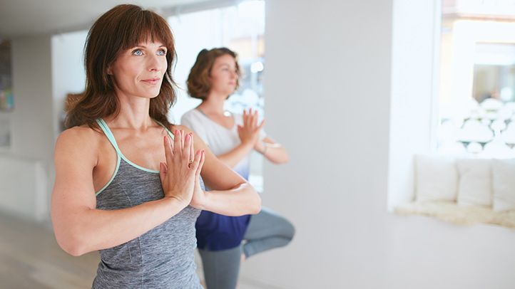 The benefits of yoga for rheumatoid arthritis go beyond stretching and exercise. Take advantage of the stress-reducing and meditative aspects, too.