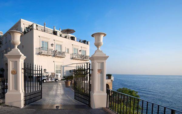 Unique Beachside Hotel For Demanding Travelers: JK Place Capri