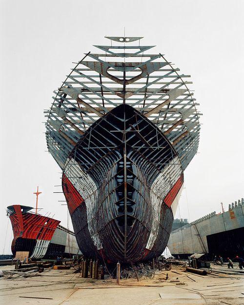 Edward Burtynsky, Shipyard #11, Qili Port, Zhejiang Province, China, 2005