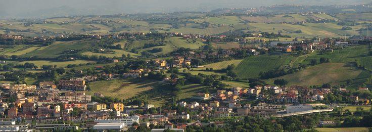 https://flic.kr/p/Vhq6Z2   Camerano, Marche, Italy - The Marche hills - stitch by Gianni Del Bufalo CC BY-NC-SA   STJ_7704_06stitch