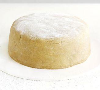 CHRISTMAS CAKE MARZIPAN Recipe: Easy Vanilla Marzipan