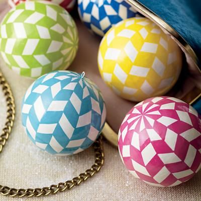 Kids Ornaments: Colorful Herringbone Garland in Holiday Décor