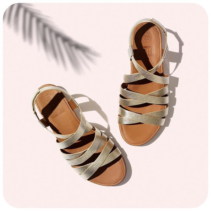 Stilrent men ändå så enkelt! Sandalerna passar perfekt till alla tillfällen och passar dig som har besvär med fotsmärta eller att fötterna blir ömma, stumma och trötta.