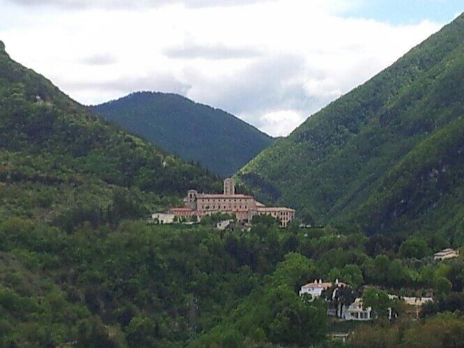 Italy - Lazio - Subiaco (RM) - Il verde dei Monti #Simbruini avvolge il #monastero di S.Scolastica - Photo G. Garofoli (05-2014) - © All rights reserved - Tesori del Lazio