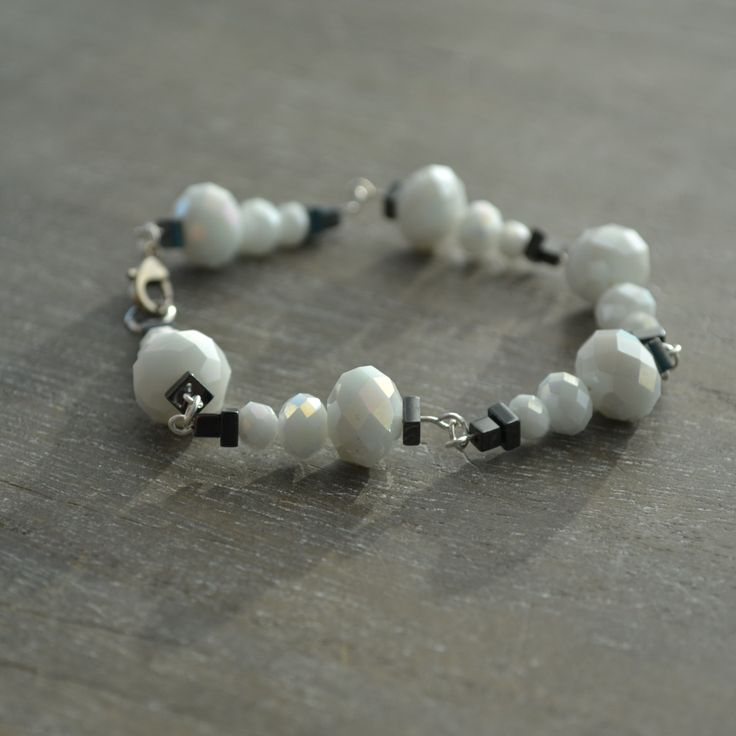 Snowman Bracelet, White Glass Beaded Snowman Bracelet, Holiday Jewelery - pinned by pin4etsy.com