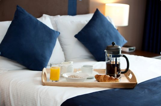 The benefits of a serviced apartment include the fact that with a fully-equipped kitchen, you can make your own food choices. However, a little bit of indulgence never harmed anyone and so having a continental breakfast available on request can only add to your stay