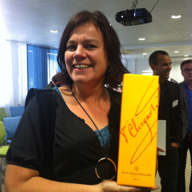 Sari won the award for the most active tweeter at #TruHelsinki 2012. The bottle of champagne was well dederved!