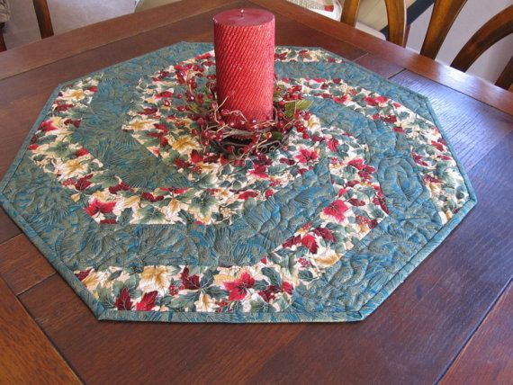Green Swirling Christmas Quilt Table Topper Patchwork En