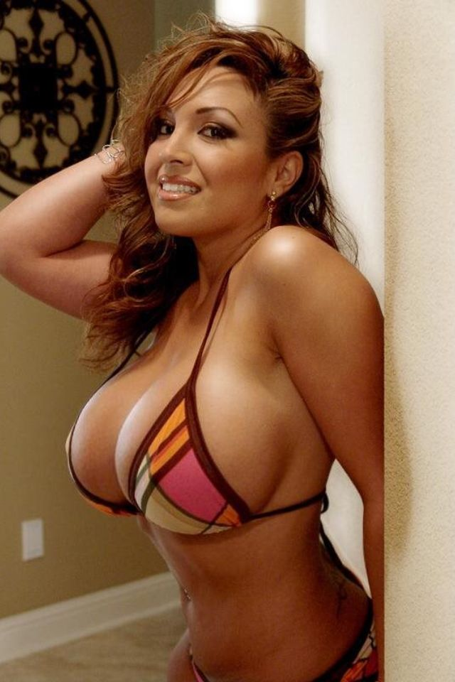 Hot Babe sex busty latina