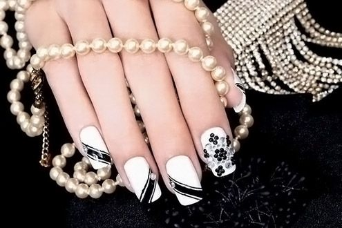 #nails #manicure #white #black #pearls #evgelina