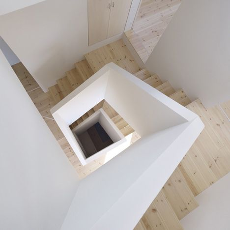 House in Aoto by High Land Design  #stairs #stairway