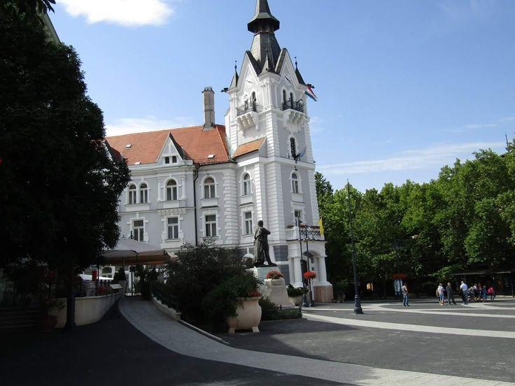Városháza zenélő tornya