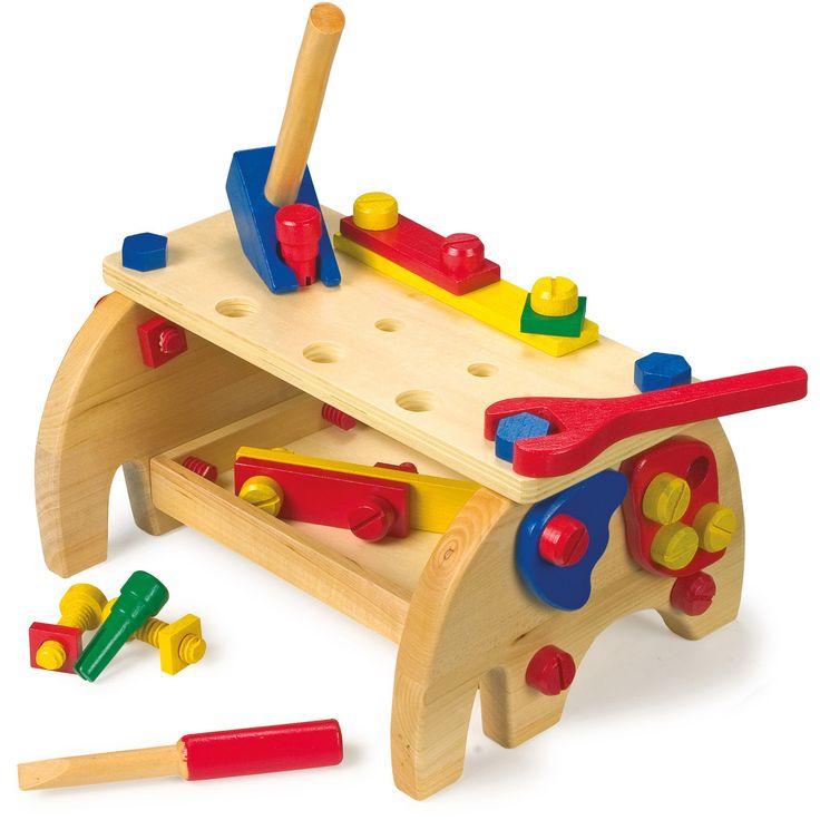 Jucăria educativă Montessori perfectă pentru micii meșteri! Este echipată cu toate uneltele necesare pentru ca cei mici să practice diferite activități de lucru și să-și dezvolte abilitățile, distrându-se. #woodentoys #woodentoolkit #montessori #jucariidinlemn #jucariionline #jucariieducative