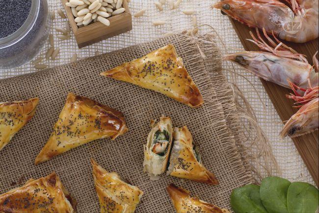 Ricetta Involtini di pasta fillo con gamberi e spinaci - Le Ricette di GialloZafferano.it