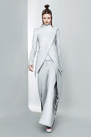 Visions of the Future: Paris Fashion Week: Futuristic fashion at Gareth Pugh | Style Fest