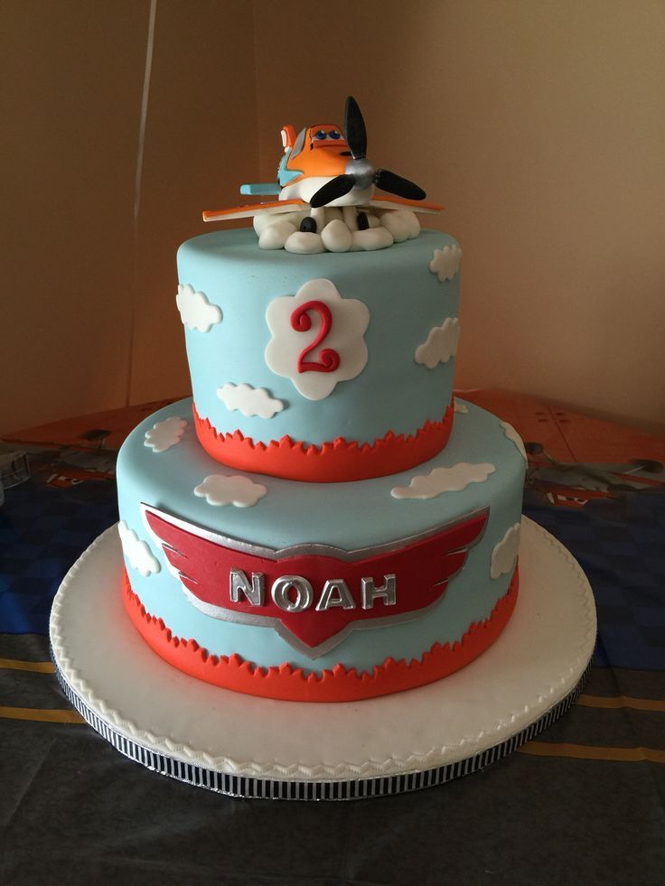 My son's Disney Planes Cake with a little influence from both movies. #planes #fireandrescue #dusty