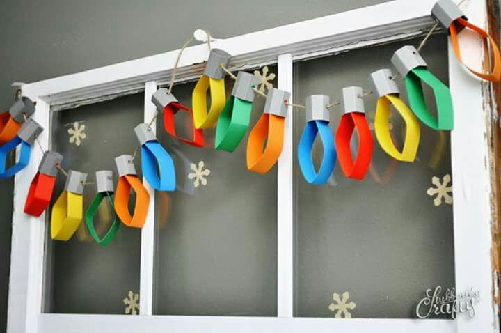 Light bulb construction paper garland
