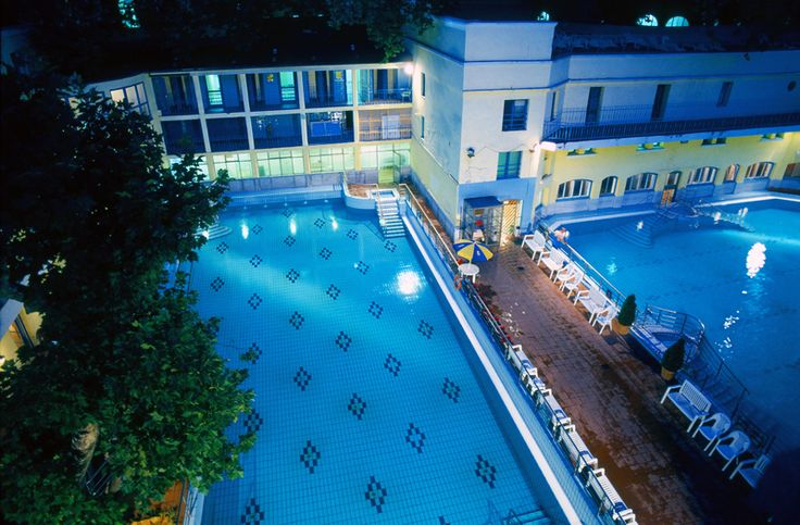 Treat yourself at the Lukács Thermal Bath and swimming pool!