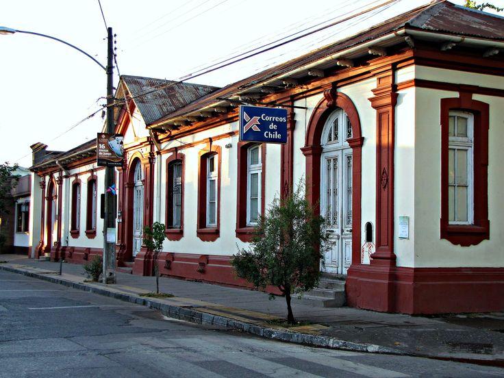 Santa Cruz, Chile. Edificio donde funcionaba Correos de Chile. Foto de enero de 2010