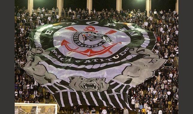 """Campeões virtuais: os clubes brasileiros de maiores """"torcidas"""" nas redes sociais - EExpoNews"""