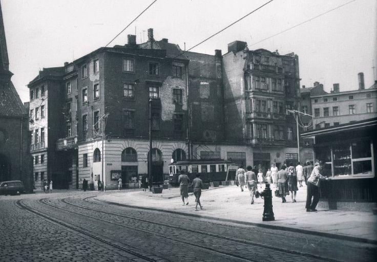 Patrzcie uważnie, Poznań, którego już nie ma! Teatr Marionetek - po lewej kościół Św. Marcina - po prawej Piekary.