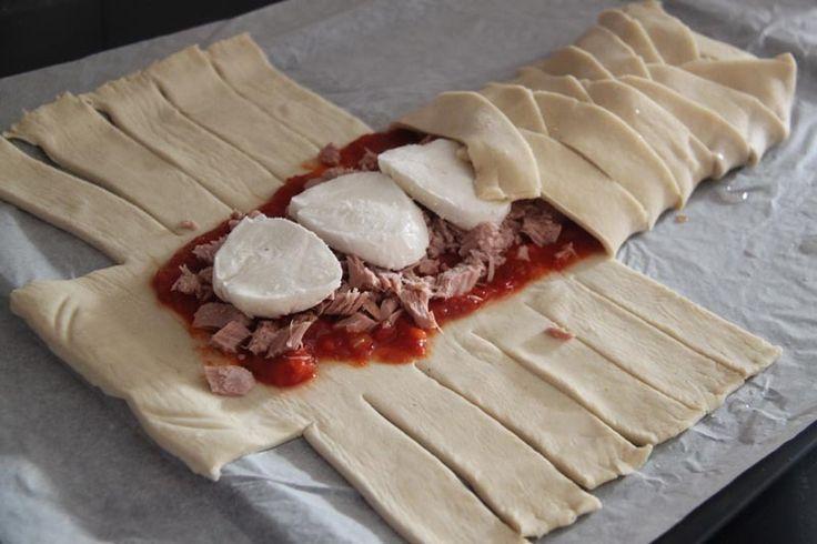 Tresse feuilletée au thon et à la Mozzarella